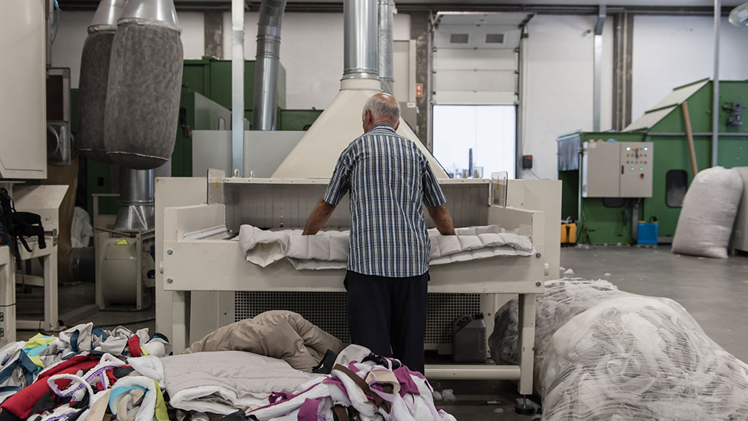 defibering machine to recover our quilted production scraps