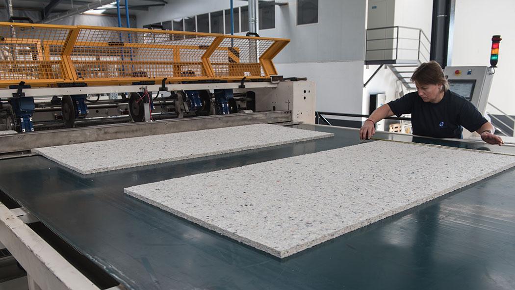 felts cutting on a felts production line